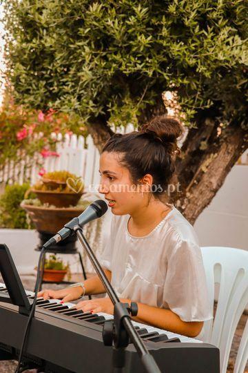 Alice (piano e voz)