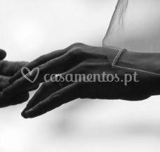 Anéide mãos dadas