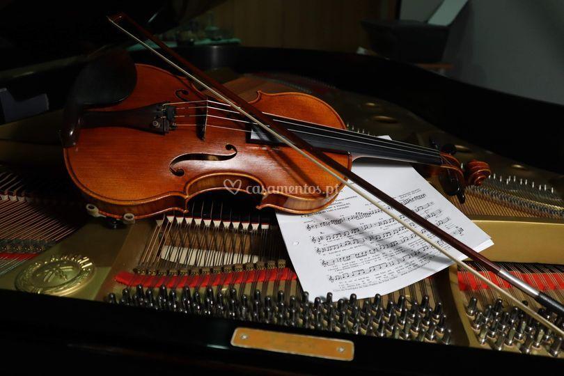 Piano, violino e voz