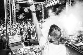 DJ Jonny V.