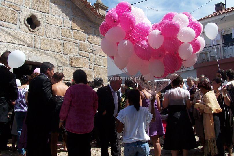 Um coração de balões