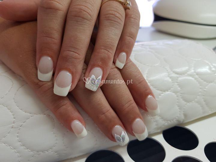 Manicure francesa em gel