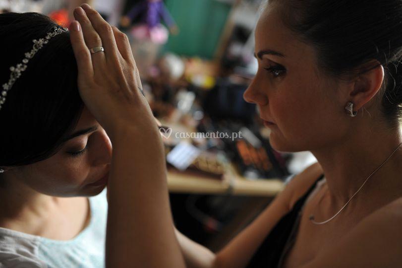 Noiva a ser maquilhada