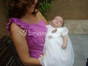 Bebé com borboleta