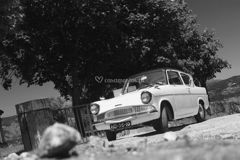 Ford Anglia Delux