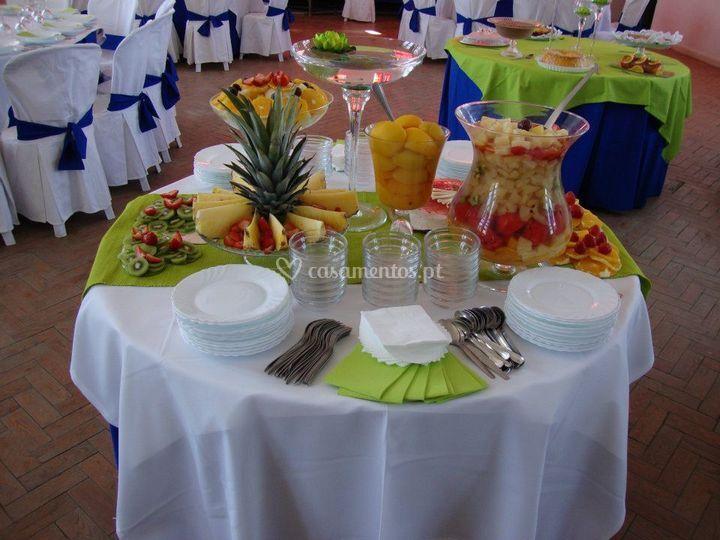 Decoração azulão - mesa fruta