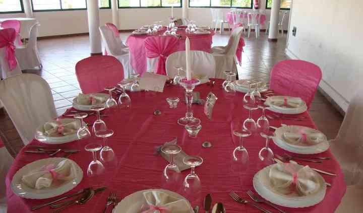Decoração rosa-mesa convidados