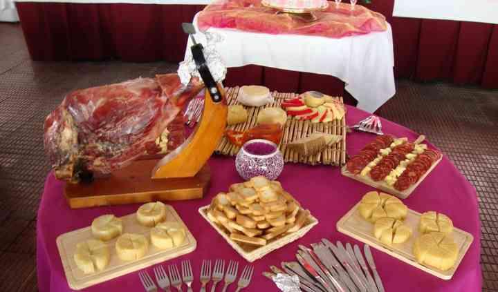 Mesa das carnes frias