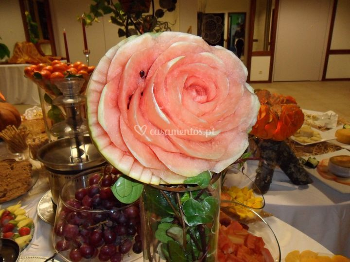 Mesa de frutas da ceia Buffet