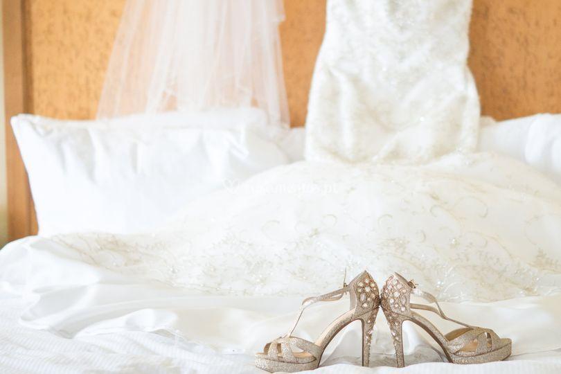 Fato da noiva e zapatos
