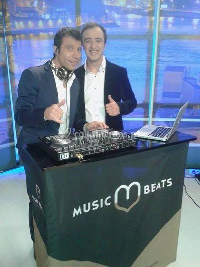 Music beats no porto canal