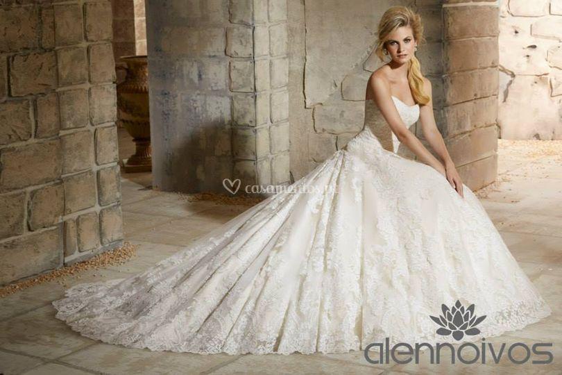 Vestido de noiva de Alen Noivos