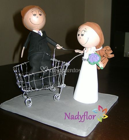 Noivos topo de bolo