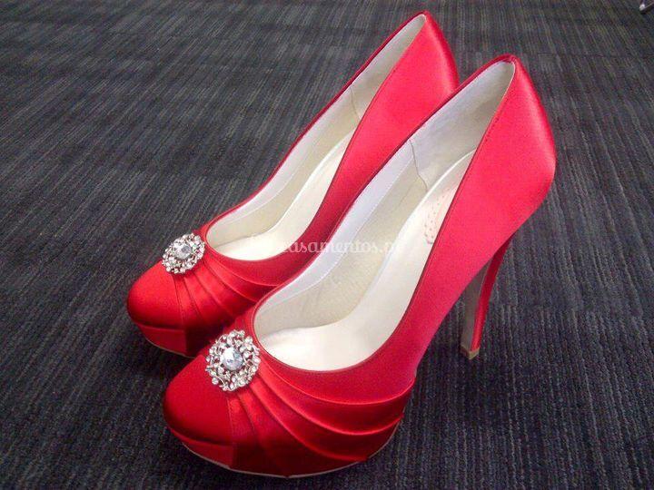 Sapatos vermelhos com brilhante