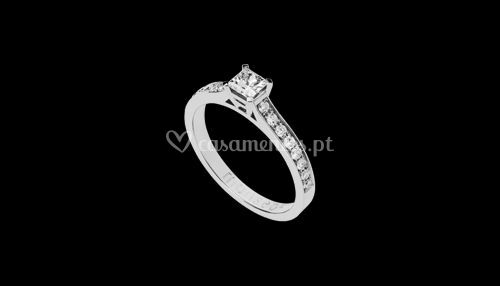 Anel Monseo diamantes