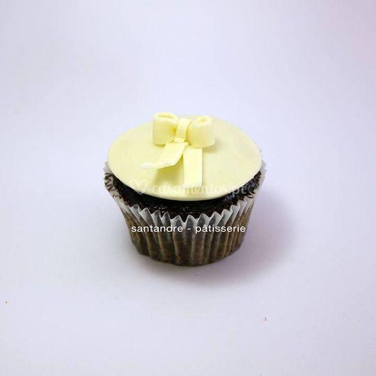 Cupcake com laço choc. branco