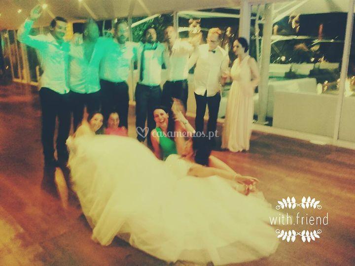 Noivas felizes