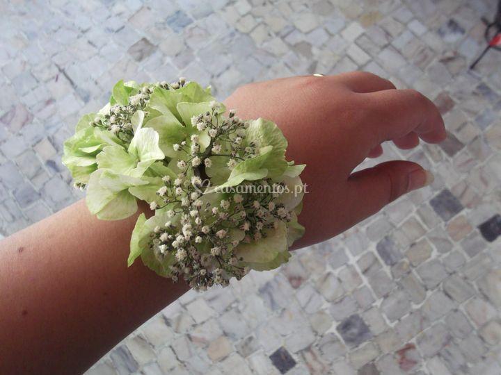 Pulseira hortenses e viváz