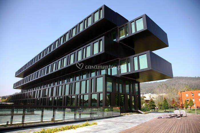 Axis Viana Hotel