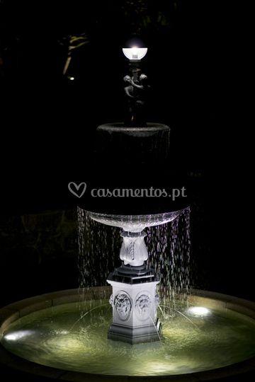 Fonte de água - jardim