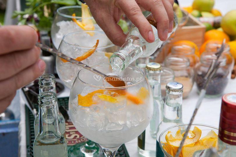 Servíço de gin
