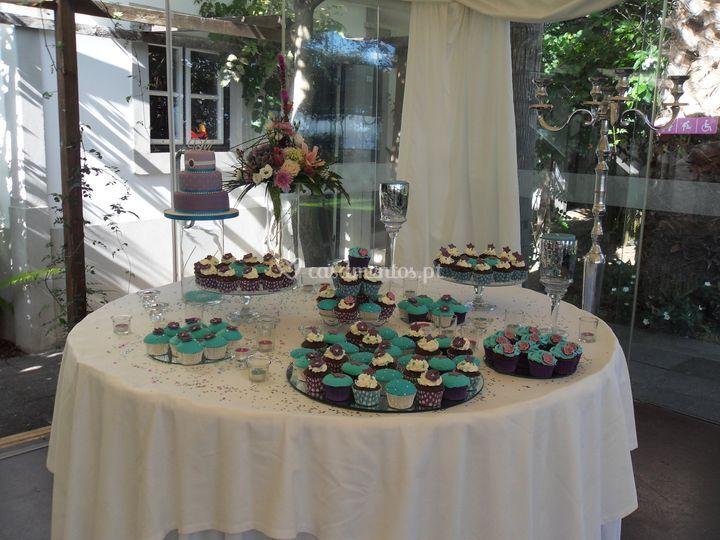 Bolo de Casamento e cupcakes
