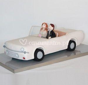 Bolo carro dos noivos