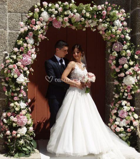 Arco floral - saída de igreja