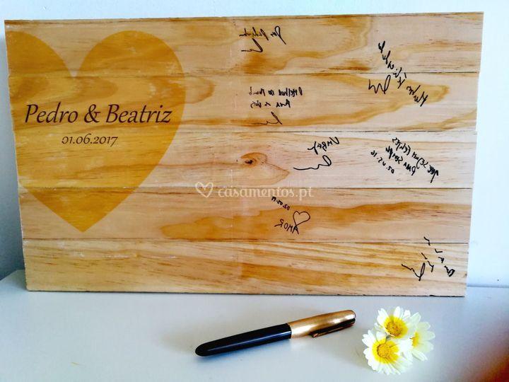 Guest book em madeira