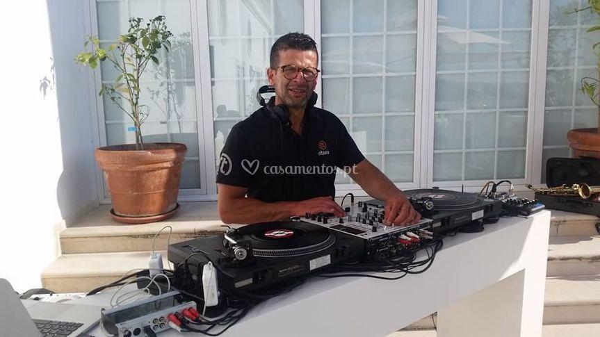 DJ com Vinil Rituais