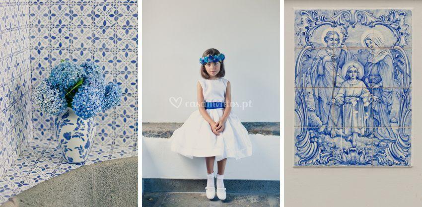 Com flores azuis - Foto:Fiona Conrad.