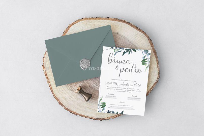 Convite em papel texturado
