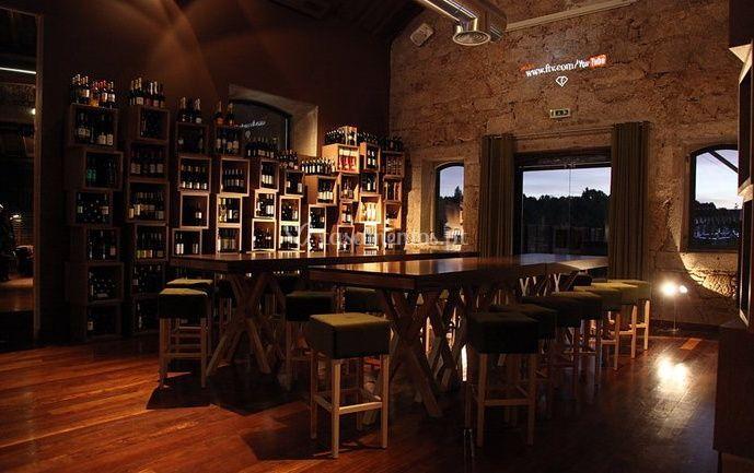 Um elegante bar