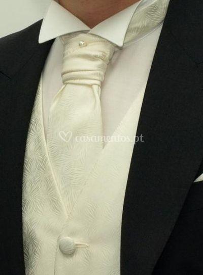 Gravata e colete gravados para alugar