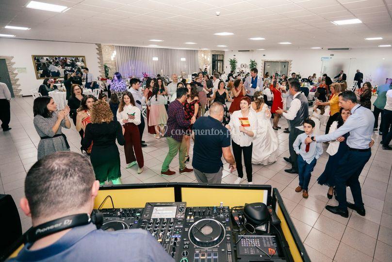 R + F: todos dançam!