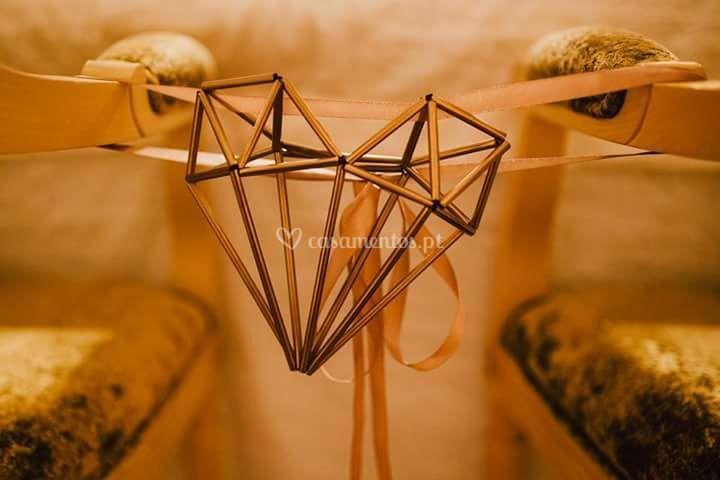 Detalhe da cadeira dos noivos
