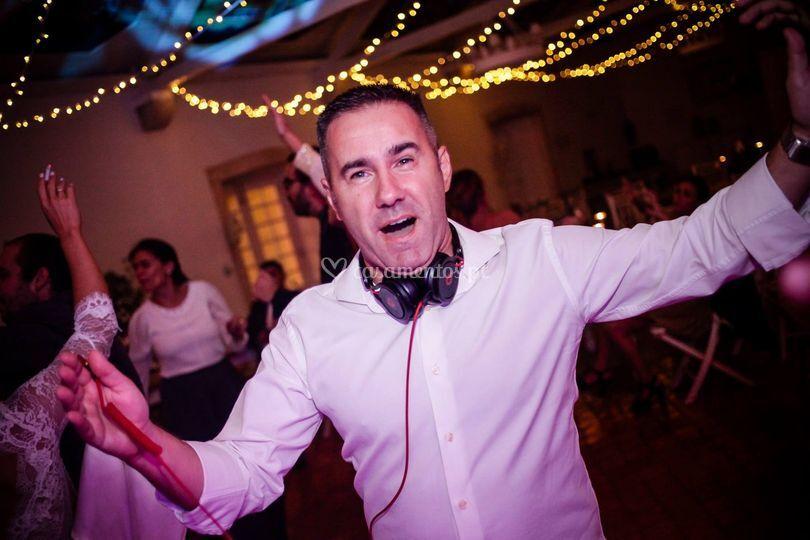 DJ bem disposto
