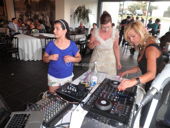 DJ / Karaoke