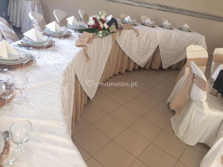 Decoração de sala e mesas