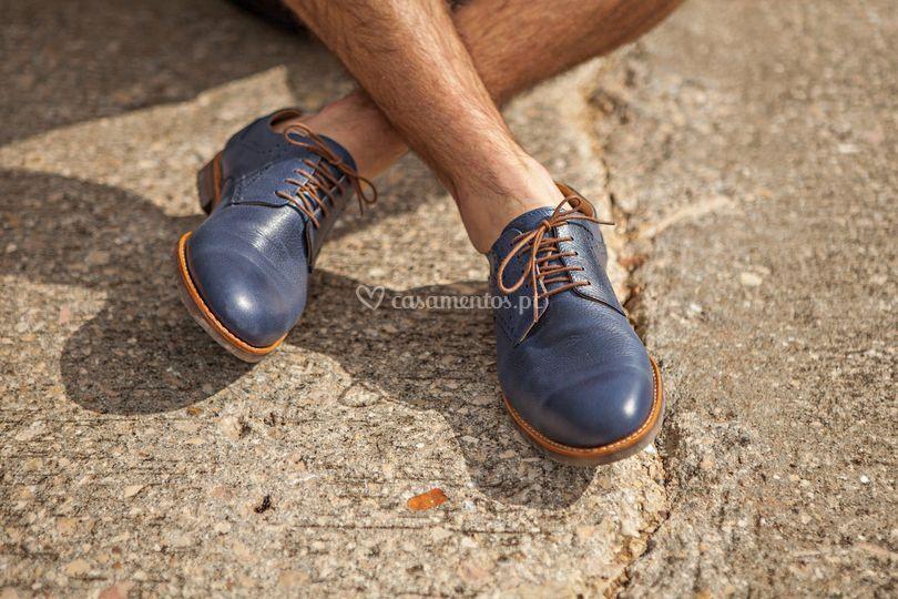 Sapato em Pele Grava Azul.