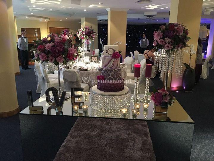 Mesas com ornamentos especiais