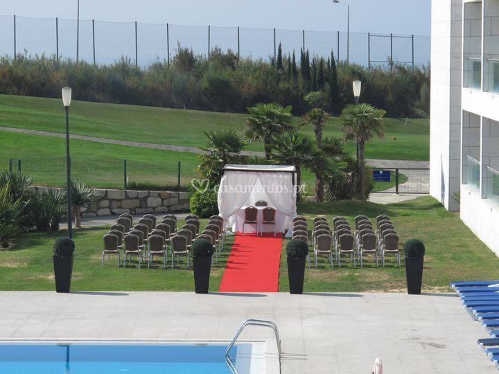 Cerimónia civil na piscina