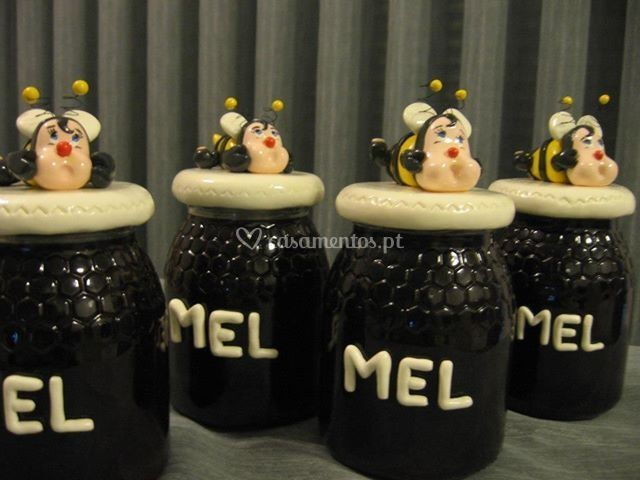 Frasco de mel decorado