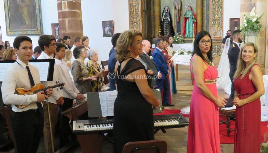 """"""" vozes+ piano + Violino"""
