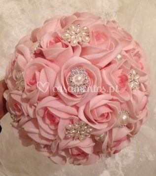 Glamour Bouquets By Sara Santos