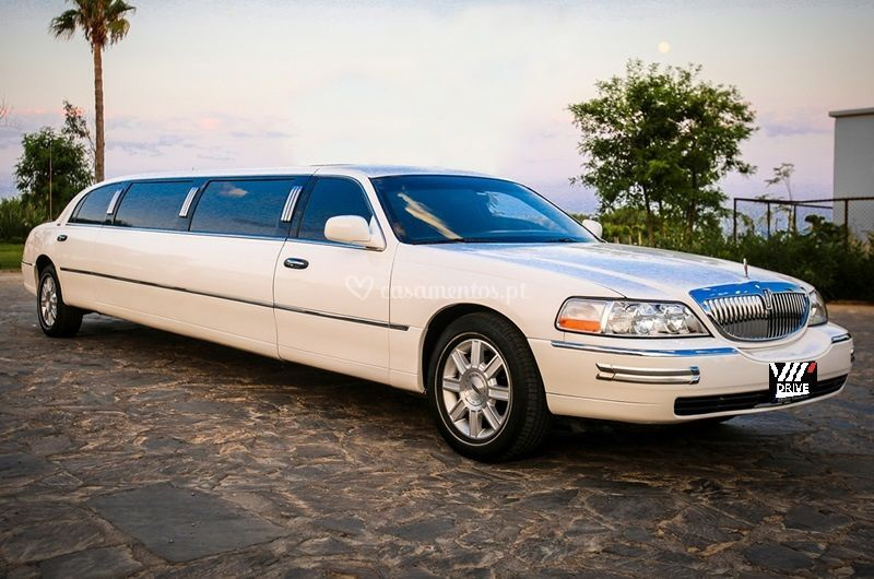 Vip limousines lincoln branca