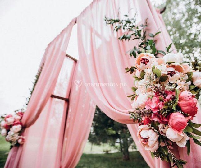 Design de arco com flores