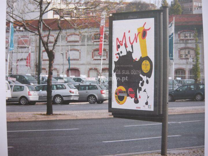 Mupi exposição Miró