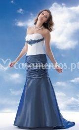 Vestido de noiva com saia azul