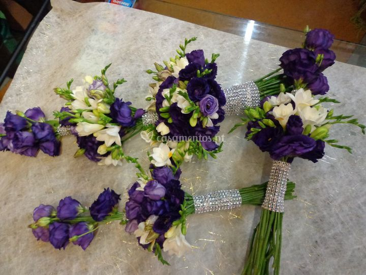Ramo de noiva violeta